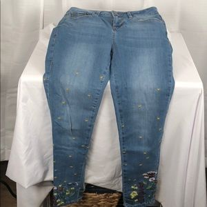 Earl size 6 skinny Ankle Jeans